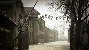 Německo soudí 93letého dozorce v osvětimském táboře