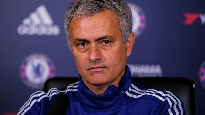 José Mourinho to má na lavičce Chelsea už hodně nahnuté