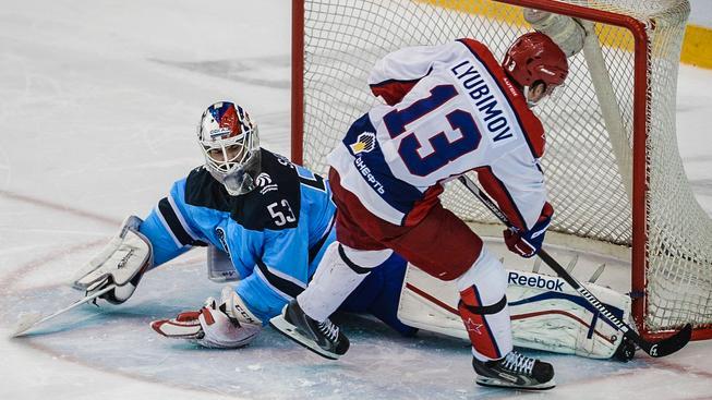 Alexander Salák je čtvrtým nejlepším brankářem KHL v úspěšnosti zákroků (94,7%)