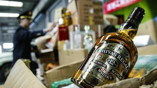 Číňané padělávají, co se dá včetně alkoholu. Většinou jsou ale jejich padělky nekvalitní