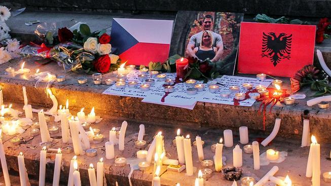 Pieta pro český pár v Tiraně