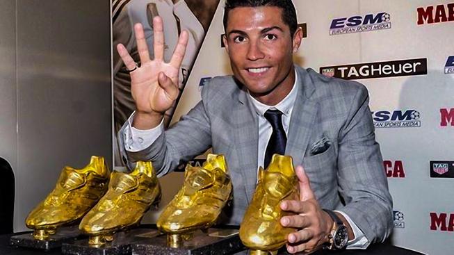Ronaldo je čtyřnásobným držitelem Zlaté kopačky pro nejlepšího střelce evropských ligových soutěží