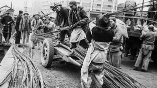 Muži to měli v Číně vždy početně těžké - museli vzít zavděk rolí druhého či třetího manžela (ilustrační snímek)