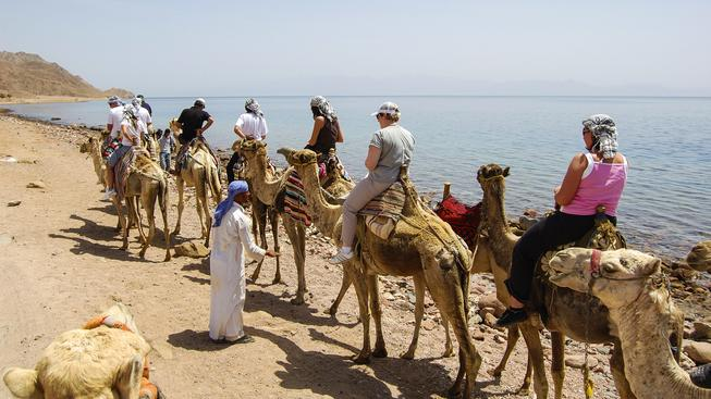Turisté v Šarm aš-Šajchu. Ilustrační snímek