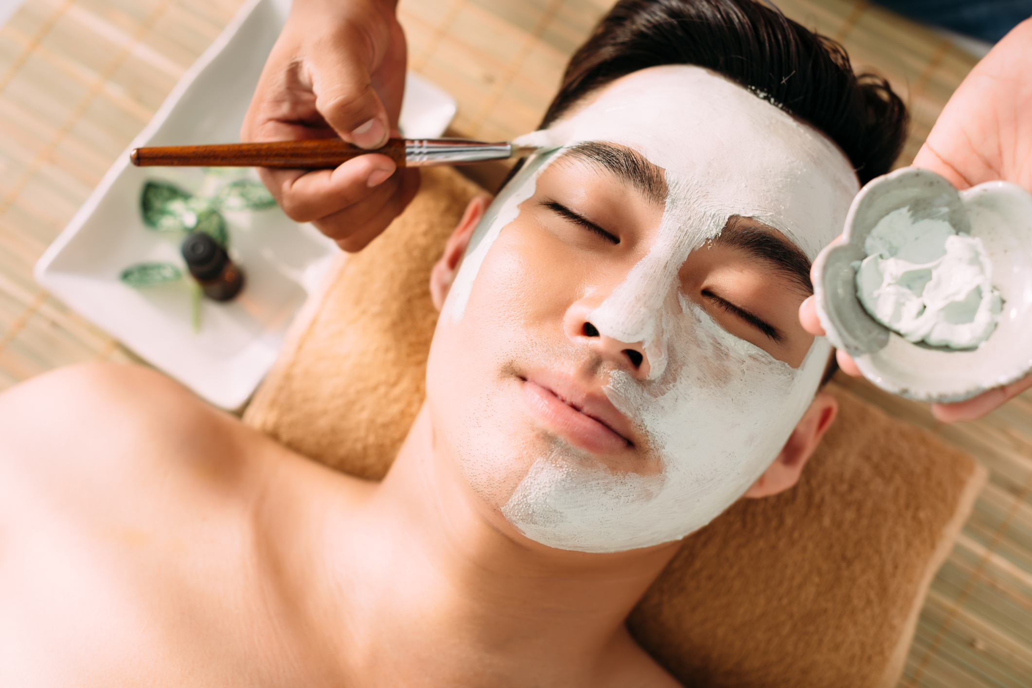 Jihokorejští muži používají tuny kosmetiky. Bojí se, že jinak přijdou o práci