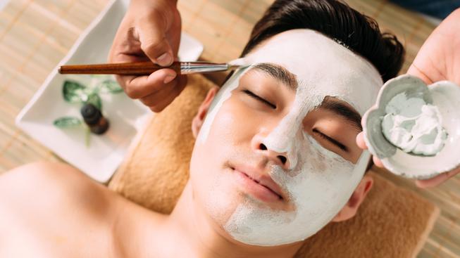 Pěna na holení už dávno nestačí. Jihokorejší muži vyhodí ročně miliardu dolarů za pánskou kosmetiku a péči o pleť (ilustrační snímek)