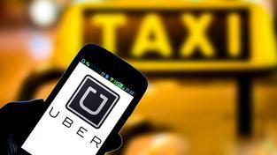 Uber leží v žaludku hlavně profesionálním řidičům, které tak trochu připravuje o práci