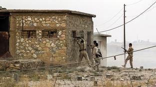 Kurdští bojovníci zahájili pozemní operaci, jejímž cílem je dobýt irácké město Sindžár (ilustrační snímek)