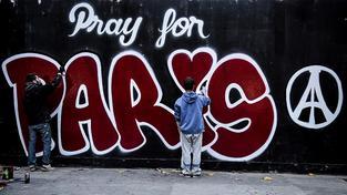 Heslem útoku se stalo Pray for Paris