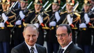 Putinovi se snaha Hollandea hodí do karet