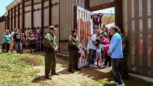 Plot na americko-mexických hranicích