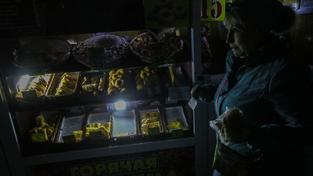 Nákupy potmě na Krymu