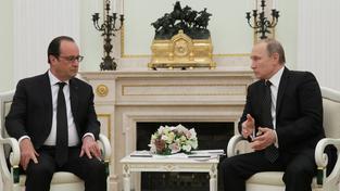 Francois Hollande hledá podporu i u Vladimira Putina