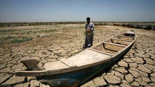 Sucho nutí zemědělce opustit neúrodnou půdu a odejít do měst, která už tak nezvládají sociální napětí (ilustrační snímek)