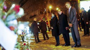 Americký prezident Barack Obama uctil v doprovodu svého francouzského protějšku Francoise Hollanda památku obětí pařížských útoků