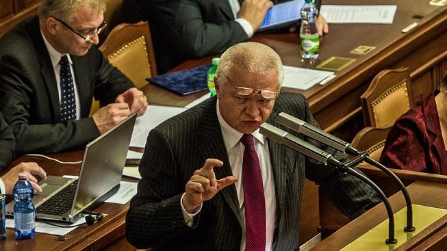 Jaroslav Faltýnek řečnící ve sněmovně