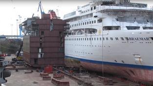 Loď se jednoduše nastaví prostředním dílem