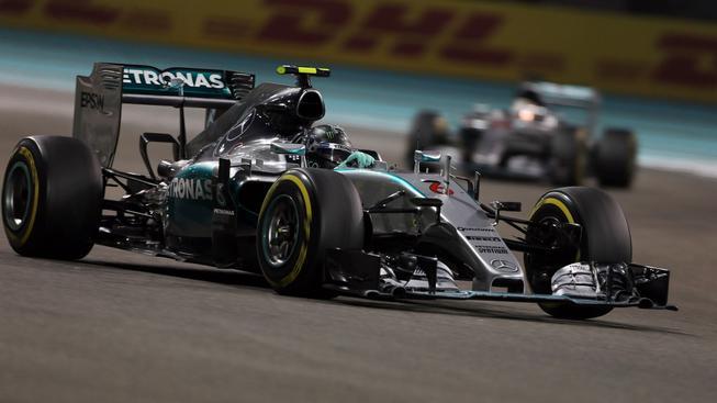 Jezdci Mercedesu letos neměli na trati konkurenci