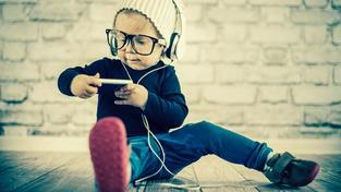 Nebudou brát technologie jako nástroje. Kompletně je integrují do svých životů (Ilustrační snímek)