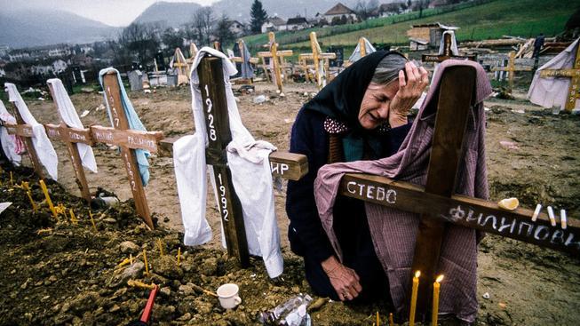 Během Bosenské války zemřelo 100 tisíc lidí, konflikt trval tři a půl roku