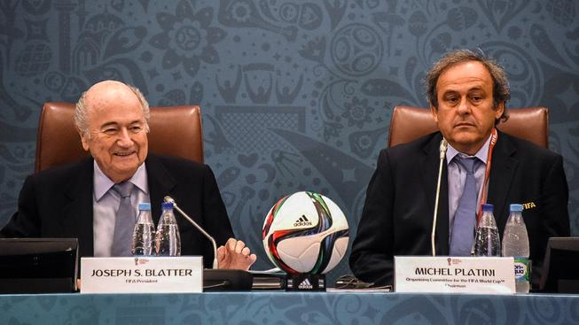Sepp Blatter a Michel Platini dostali osmiletý zákaz působení ve fotbale