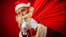 Politický 'Tajný Santa': Co dostanou pod stromeček Zeman, Babiš nebo Kalousek?