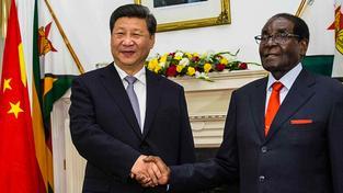 Čínský prezident Si Ťin-Pching na oficiální návštěvě Zimbabwe