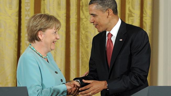 Nejoblíbenější terče konspiračních teorií. Hitlerova dcera Merkelová a doživotní prezident Obama