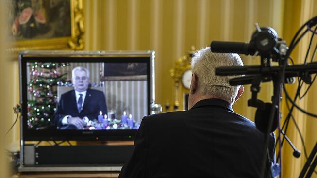 V příštím roce se určitě nedočkáme třeba...pořadu Omlouvánky Miloše Zemana