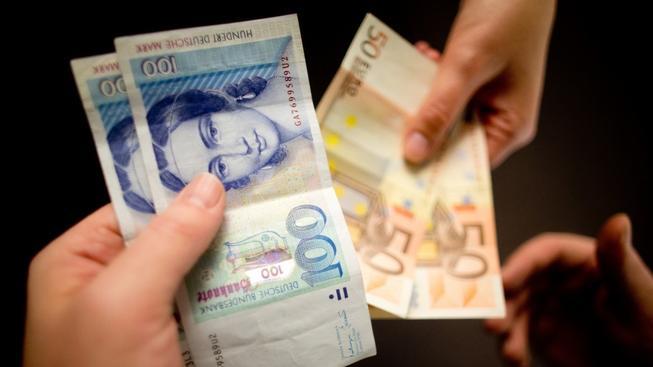 Němci mají stále ještě doma marky v hodnotě několika miliard eur (ilustrační snímek)