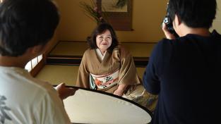V Japonsku je stále populárnější gerontoporno. Jednašedesátiletá Jasue Tomitová si splnila svůj sen, je z pornohvězda
