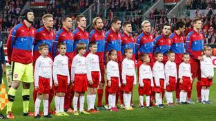 Čeští fotbalisté před začátkem přátelského utkání na půdě Polska, které se odehrálo v polovině listopadu