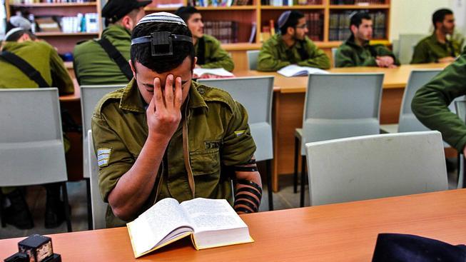 Izrael vytváří speciální analytickou jednotku složenou z autistů (ilutrační snímek)