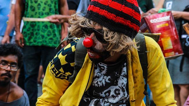 Tisíce lidí vyrazilo v sobotu do ulic Rio de Janeira protestovat proti zvýšení cen za veřejnou hromadnou dopravu
