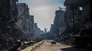 Pohled na zničenou čtvrť Jarmúk v Damašku. Ilustrační snímek