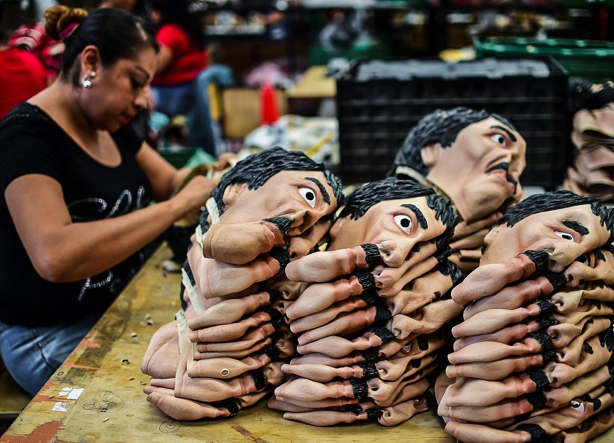 Nejmocnější narkobaron jako komiksový hrdina i symbol nemocného Mexika