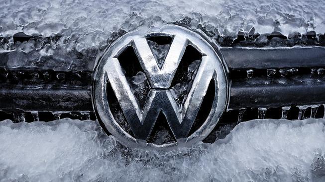 Německá automobilka se kvůli emisnímu skandálu stíhá problém za problémem