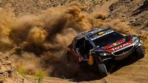 Peterhansel vybojoval na Dakaru dvanáctý titul, mezi motocyklisty poprvé vyhrál Price