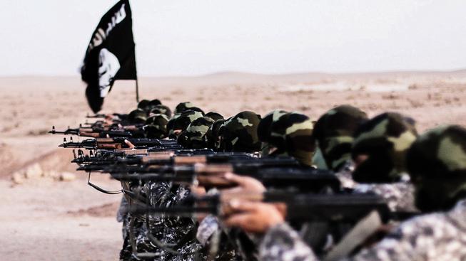 Je nám líto, snižujeme platy, napsal IS svým bojovníkům