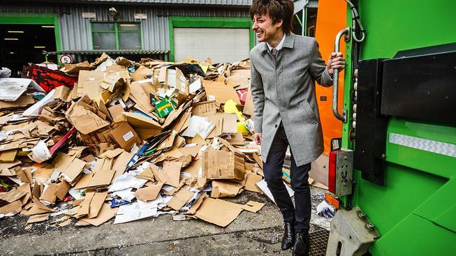 Matěj Stropnický rád třídí odpad