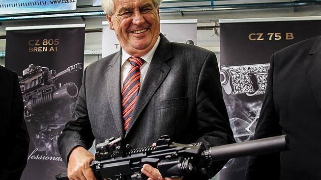 Prezident na návštěvě zbrojovky