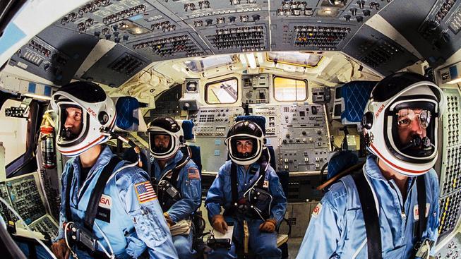 Posádka raketoplánu Challenger před tragickým startem. Od smrti ji dělí pouhé desítky vteřin