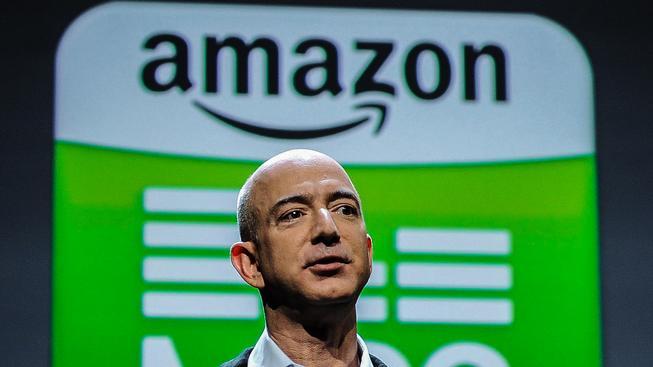 Zakladatel Amazonu Jeff Bezos umí díky práci ve fast foodu perfektně připravit míchaná vajíčka
