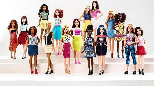 Je libo malou, vysokou, nebo lehce oplácanější Barbie?