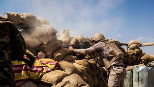 Zahraniční bojovníci bojují proti IS spolu s kurdskými milicemi