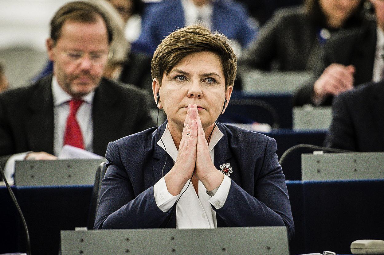 Polská vláda pouští bankám žilou. Zemi hrozí ekonomické problémy