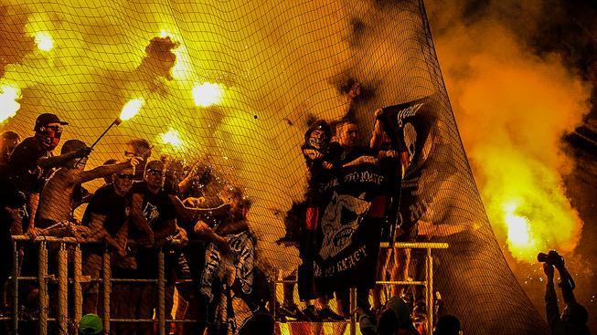 Fanoušci během moskveského derby mezi Spartakem a CSKA