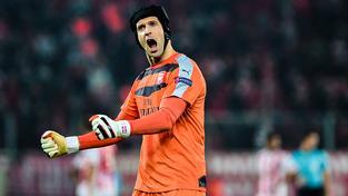 Petr Čech se v letošní sezoně stal nejlepším gólmanem v historii Premier League v počtu vychytaných nul