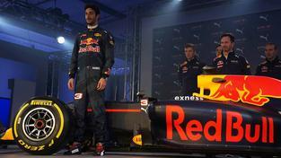 Daniel Ricciardo během představení nového vozu Red Bullu