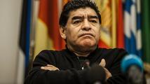 Zavřete je a zahoďte klíč! Maradona žádá doživotí pro Blattera a Platiniho